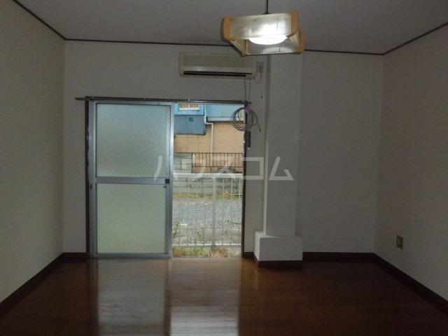 浅間ハイツ 102号室の玄関
