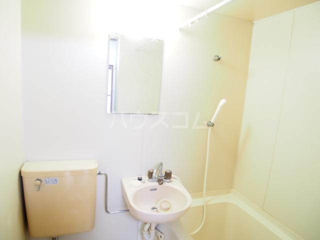 HIT 201号室の洗面所