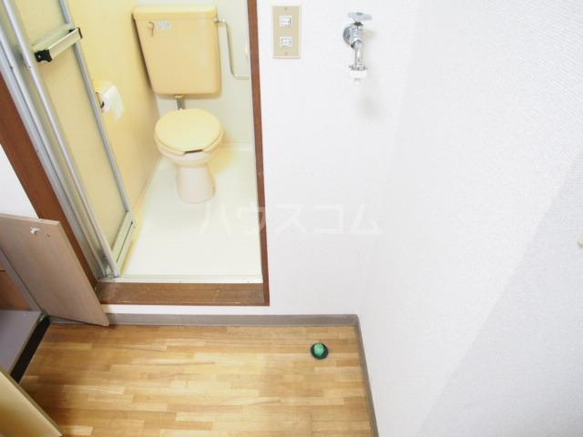 HIT 201号室の玄関