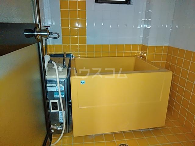 メゾン ド ジュエル 301号室の風呂