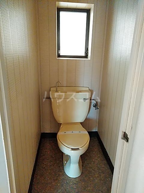 メゾン ド ジュエル 301号室のトイレ