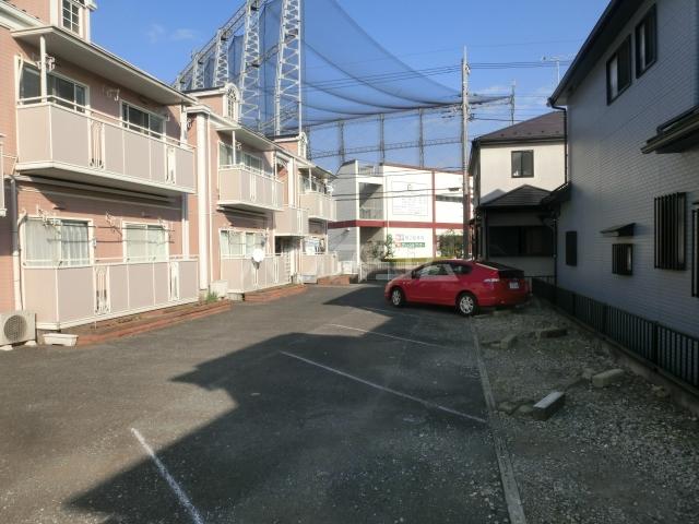 サンビレッジTANAKA C 202号室の駐車場
