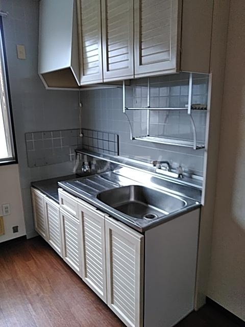 サンビレッジTANAKA C 202号室のキッチン