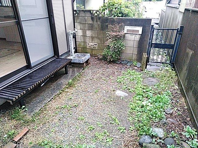 旭町6丁目戸建ての庭