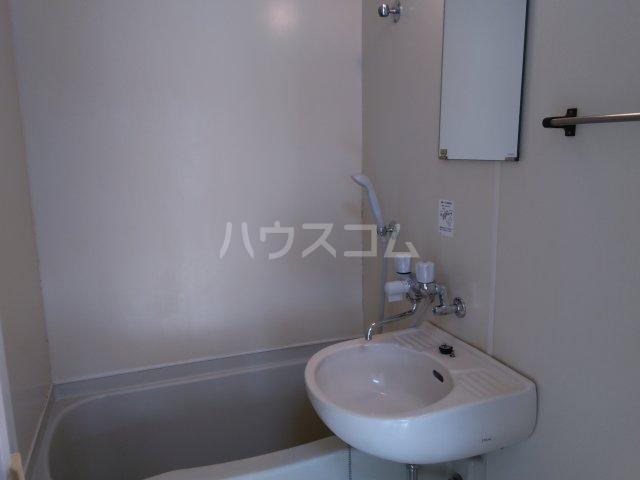 プレステージ島村 403号室の洗面所