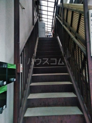 筑波荘 202号室のエントランス