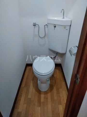 筑波荘 202号室のトイレ