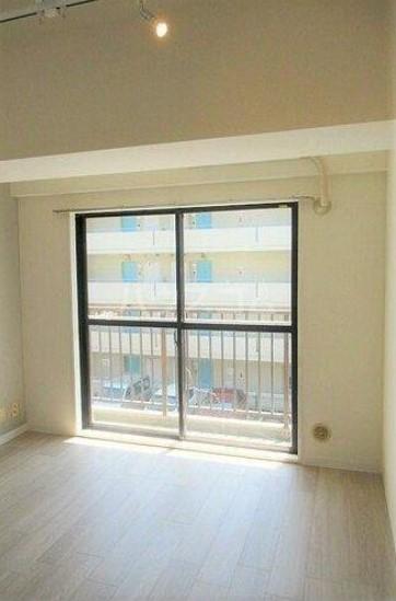 ライオンズマンション西川口第7 302号室の居室