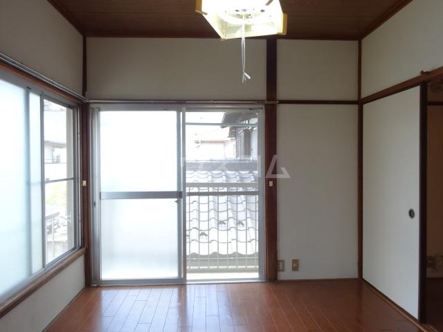 コーポ泉 201号室の居室
