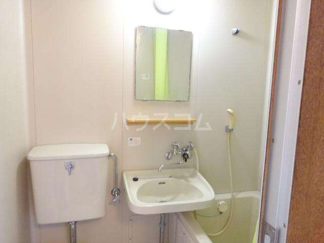 コーポ泉 201号室の洗面所