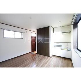 福井ハイツ 201号室の玄関