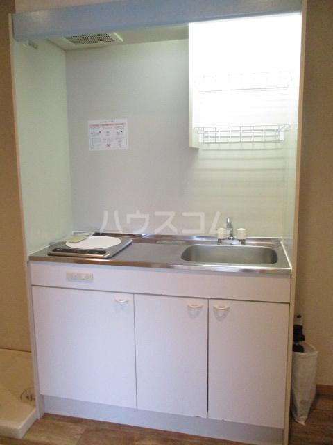 サンイング下丸子 301号室のキッチン