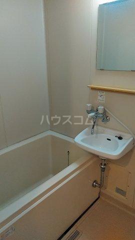 ウチダロイヤルマンション 103号室の風呂