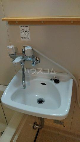 ウチダロイヤルマンション 103号室の洗面所