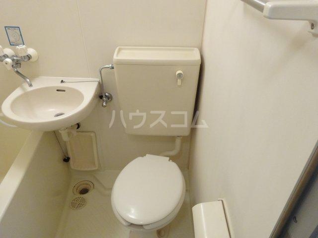 トラストビラ住吉 211号室のトイレ