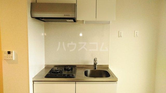 YS鶴見 402号室のキッチン