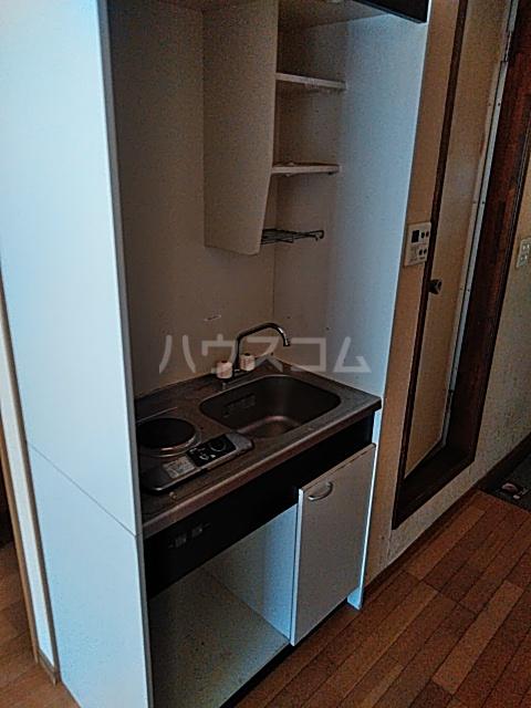 ベイグランド・サワノ A-204号室のキッチン