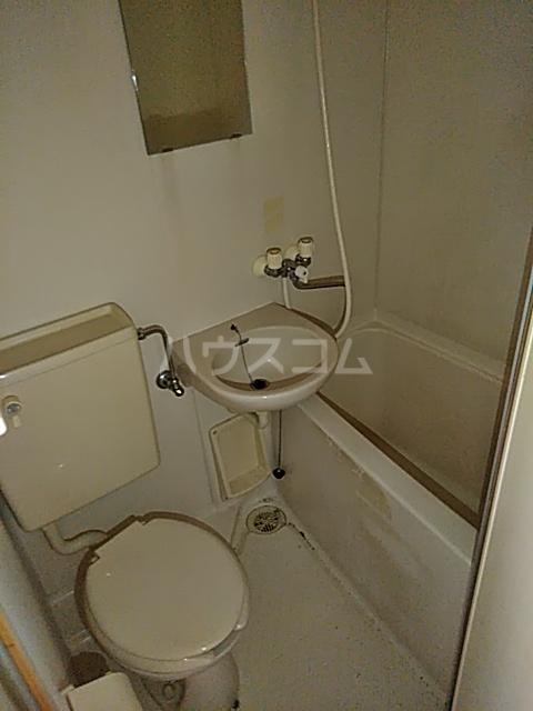 ベイグランド・サワノ A-204号室の洗面所