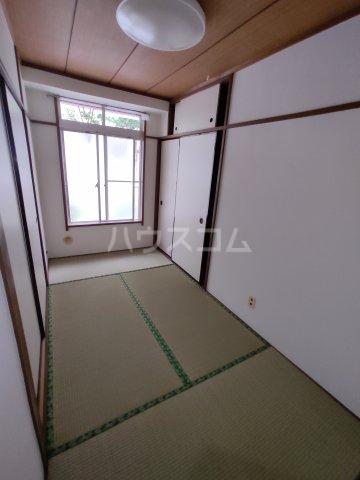 ビルタスコーポ 102号室の居室