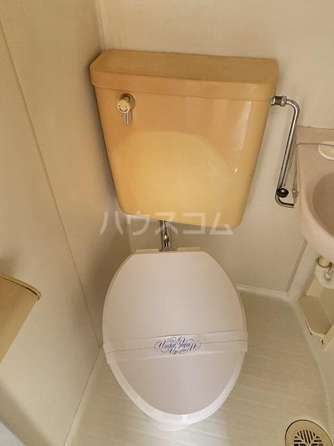 フラット佐藤 201号室のトイレ