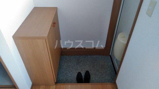 ベイグランド・サワノ B-202号室の玄関