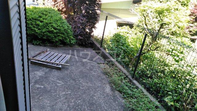 イーストビレッジ 101号室の庭