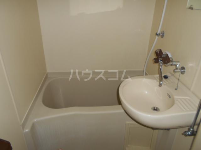 アップルコート元住吉 202号室の風呂