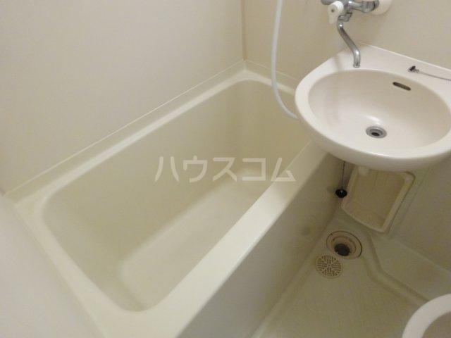 トラストビラ住吉 412号室の風呂