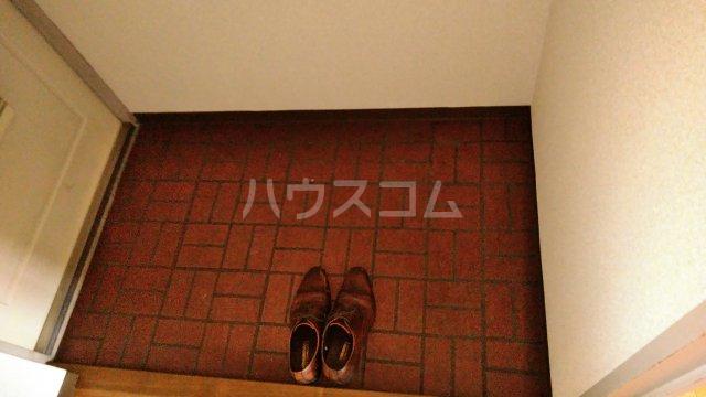 ベイフロント・サワノ 201号室の玄関