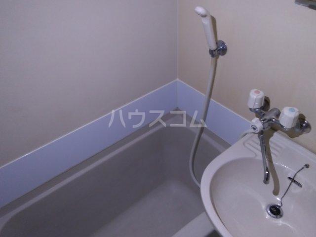 メゾンタケノウチ 102号室の風呂