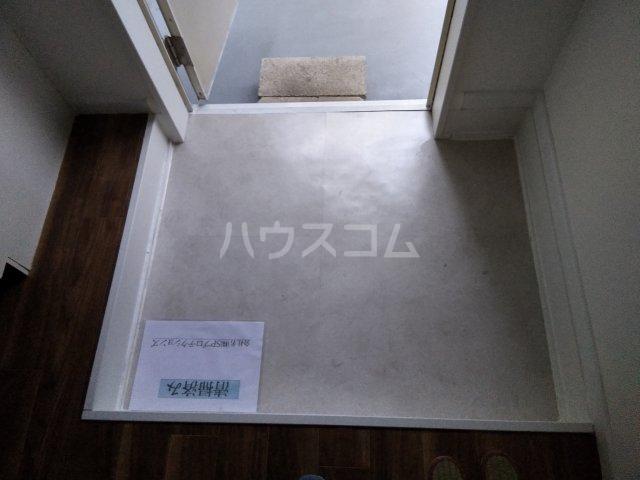 メゾンタケノウチ 102号室の玄関