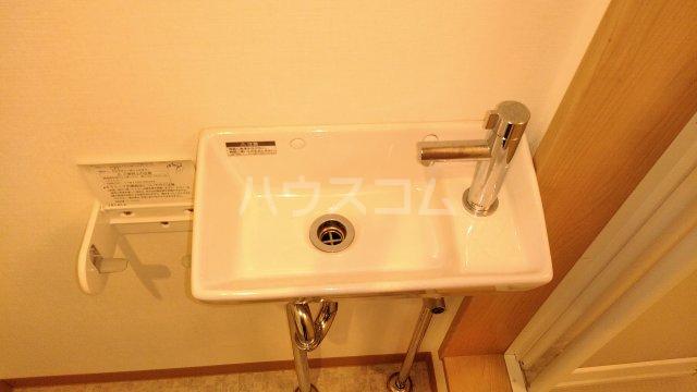 クラーニヒ ハウス 102号室の洗面所