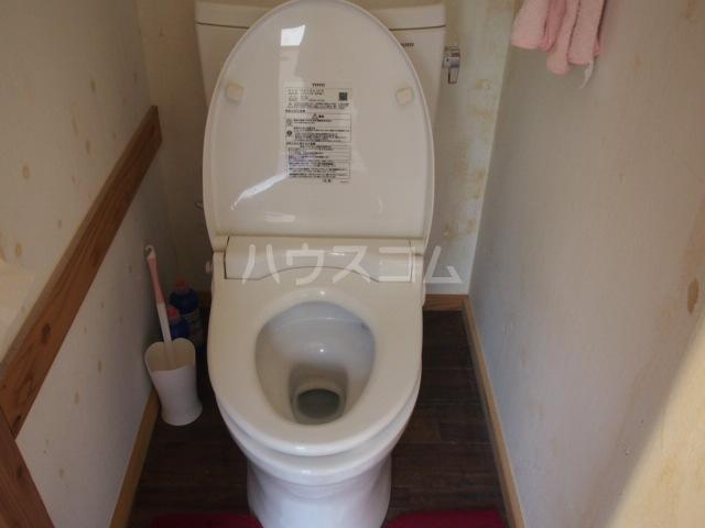 ウッドハウス鶴見 101号室のトイレ