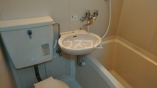 西山マンション 303号室の風呂