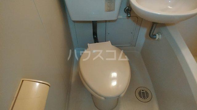 西山マンション 303号室のトイレ