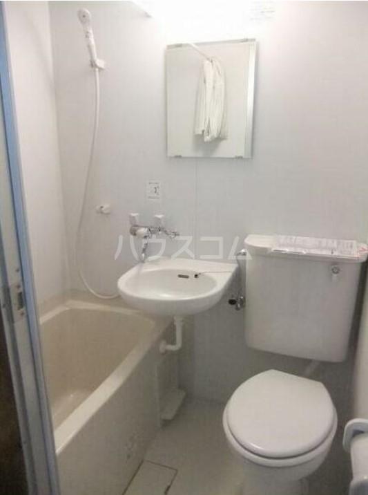 幸伸リバーシティ 202号室のトイレ