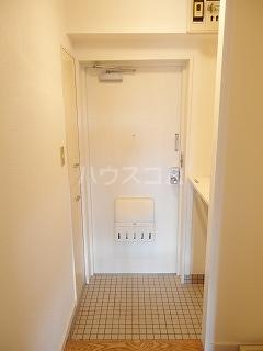 アドバンス一号館 306号室の玄関