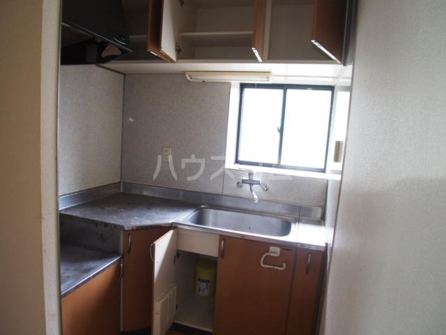 イーストビレッジ 202号室のキッチン