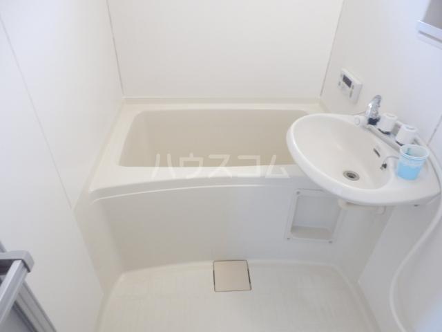 クローカスB 203号室の風呂