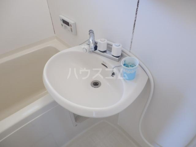 クローカスB 203号室の洗面所