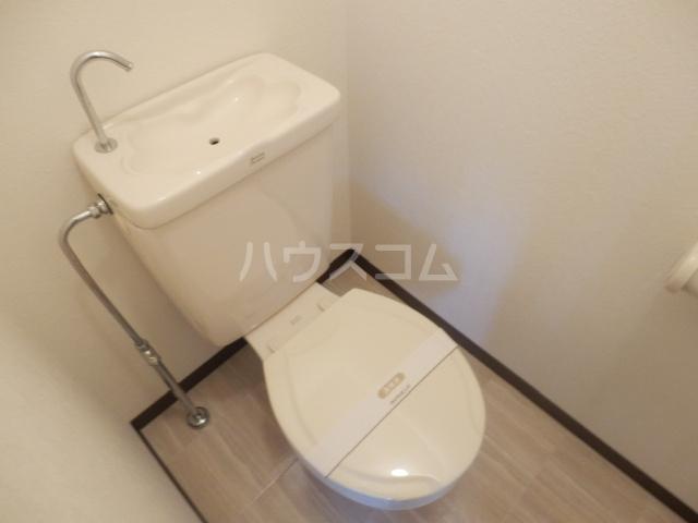 クローカスB 203号室のトイレ