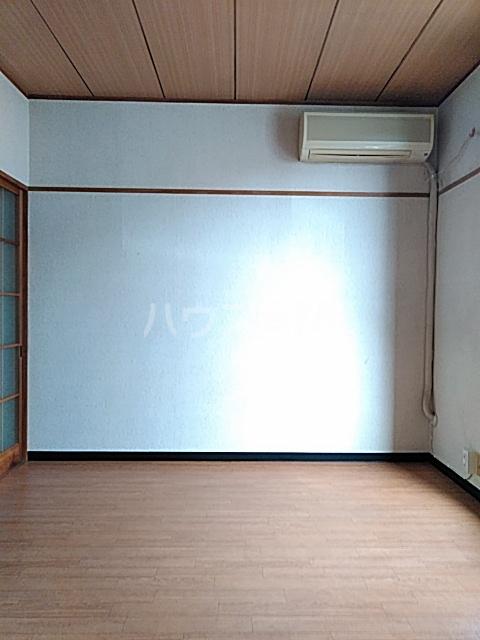 マロニエコート 102号室の居室