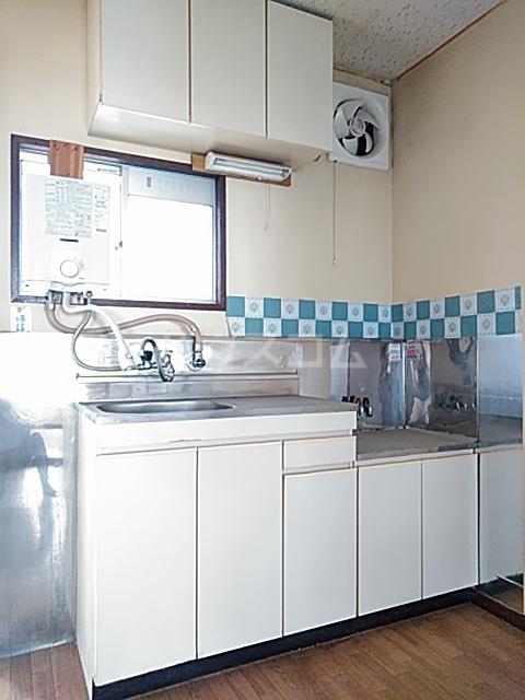 マロニエコート 102号室のキッチン