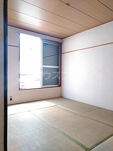 マロニエコート 102号室のベッドルーム