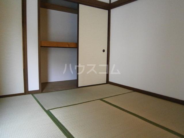 小峰第5ハイツ 203号室のベッドルーム