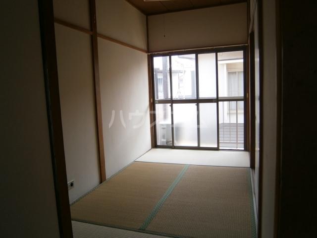 コーポ大竹 201号室のリビング
