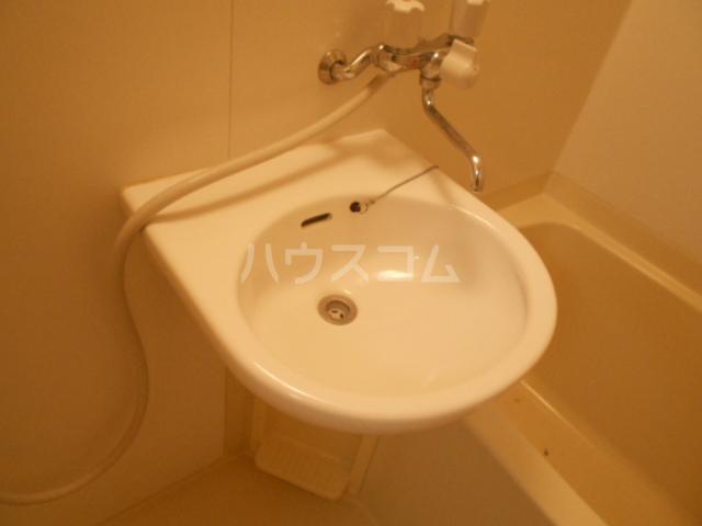 宮本コーポ 101号室の洗面所