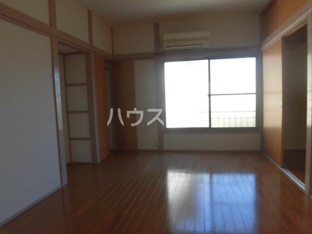 宮本コーポ 202号室のリビング