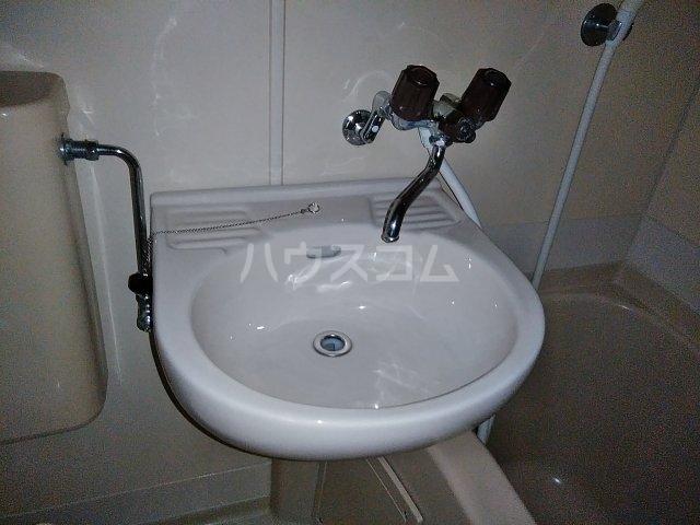 マンションFEAST 202号室の洗面所