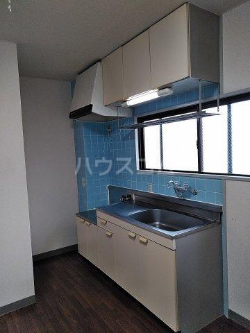 メゾン高橋 301号室のキッチン